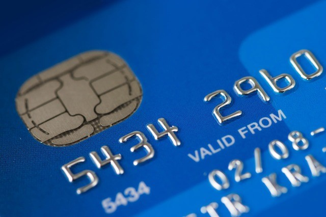 Eine Kreditkarte ist für ein Geschäftskonto ebenfalls sehr hilfreich.